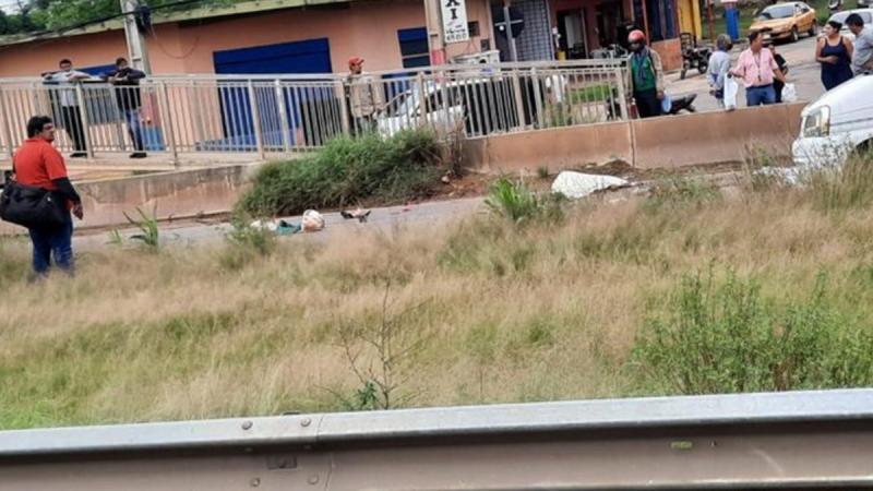 Accidente en la ruta PY03. Iban a bordo de una moto y terminaron descuartizados